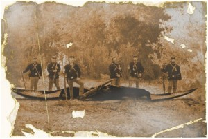 Controversial photograph of six Civil War soldiers next to the apparent body of a recently deceased giant pterodactyl or pterosaur, maybe a Pteranodon